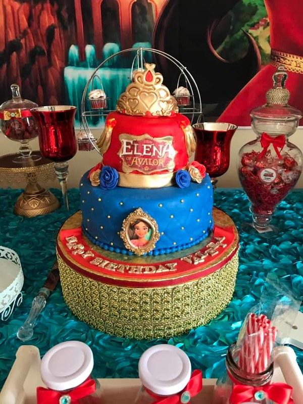 "Cake by Pastelería ""Dulce Valeria"""