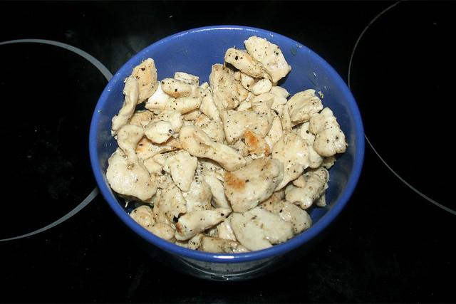 10 - Put chicken aside / Hähnchen bei Seite stellen