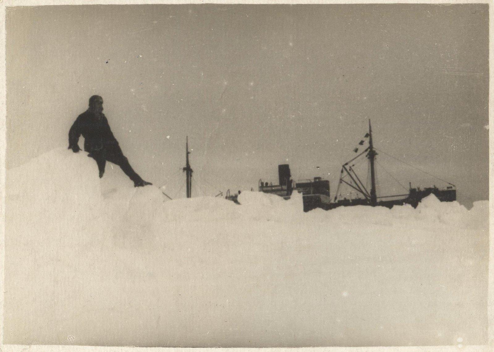 1934. Экспедиция по спасению челюскинцев
