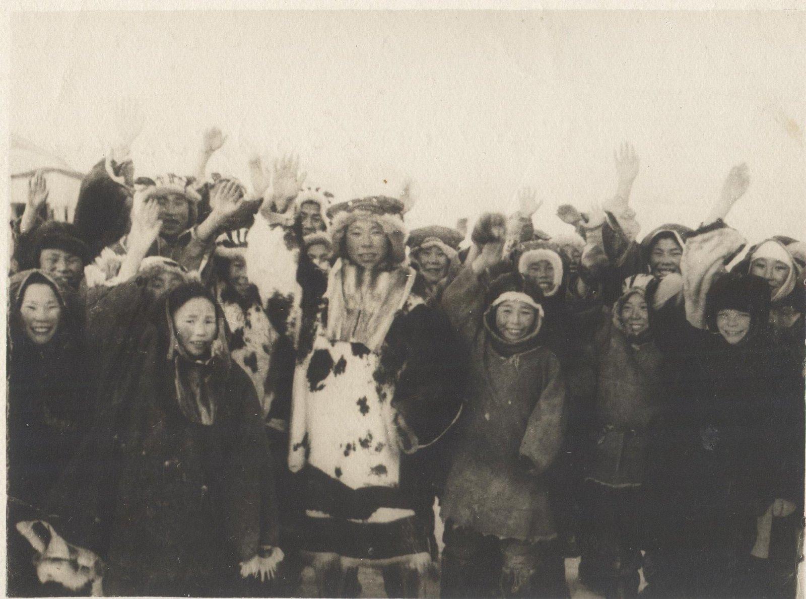 1934. Экспедиция по спасению челюскинцев. Встреча в Олюторке