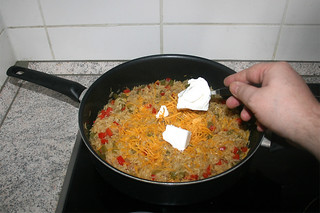 26 - Add goat cream cheese / Ziegenfrischkäse hinzufügen