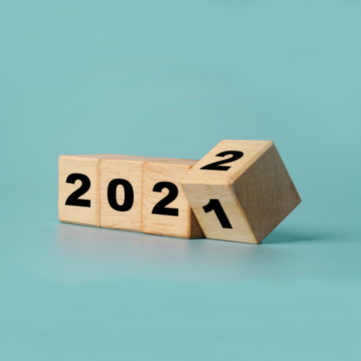 Wooden blocks with the year 2021 - 2022