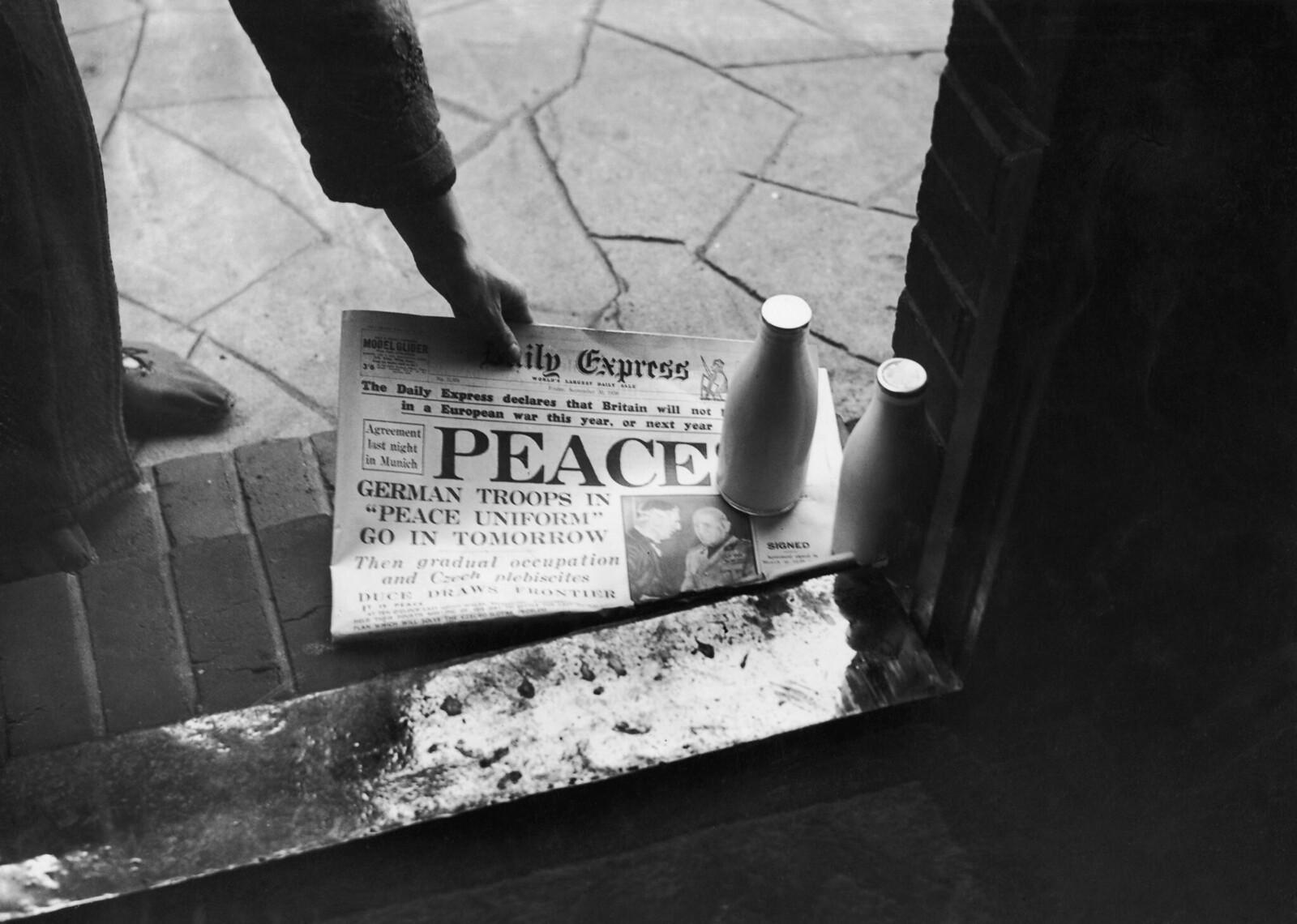 96. 30 сентября. Утренний номер Daily Express заверяет публику, что Великобритания не пойдет на войну