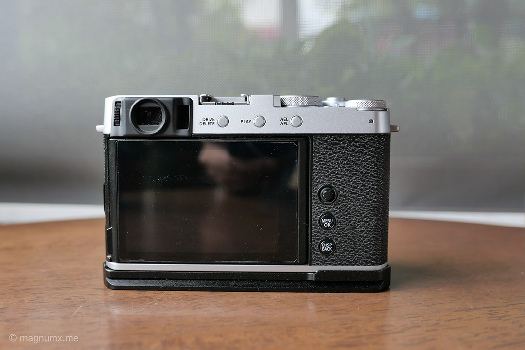 Fujifilm X-E4 ติด Hand Grip