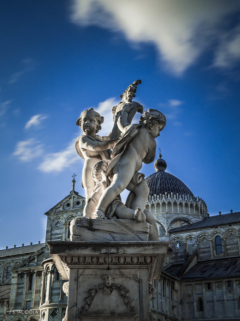 Fontana dei Putti Duomo di Pisa, Piazza dei Miracoli