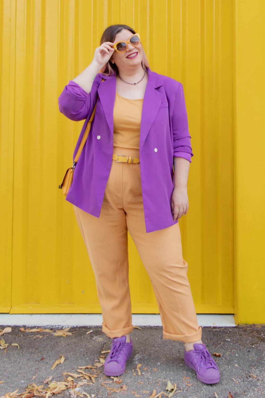 curvy color challenge viola e giallo colori complementari outfit curvy (4)