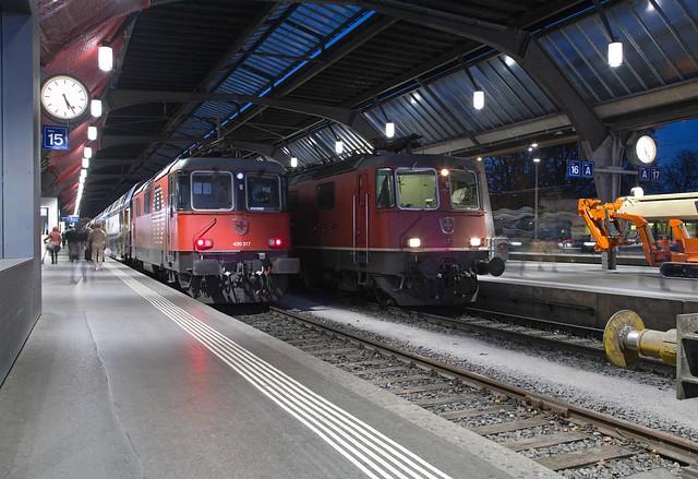 SBB Re 4/4 420 217 + 420 303 Zürich Hbf