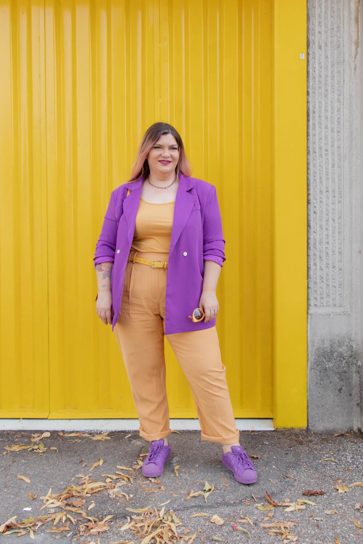 curvy color challenge viola e giallo colori complementari outfit curvy (3)