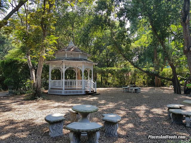 mrigadayavan palace garden