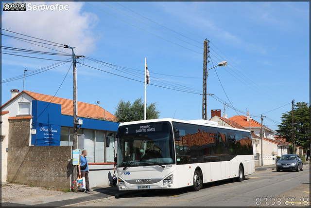 Iveco Bus Crossway LE – Transdev CTA (Compagnie des Transports de l'Atlantique) (STAO PL, Société des Transports par Autocars de l'Ouest – Pays de la Loire) / Aléop n°32808