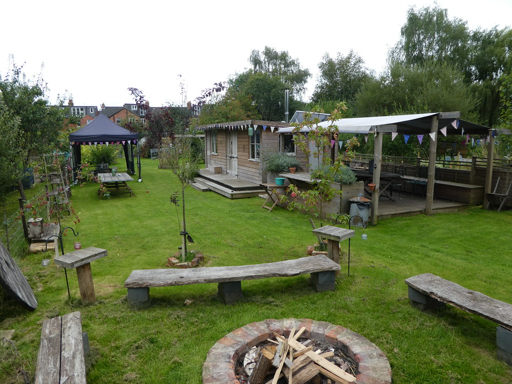 CommuniTEA Garden, by the canal, Newbury