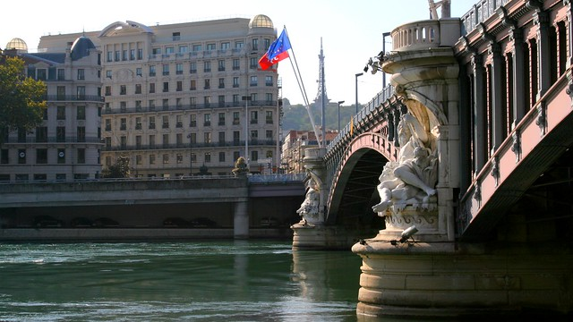 sous le pont Lafayette coule le Rhône à Lyon