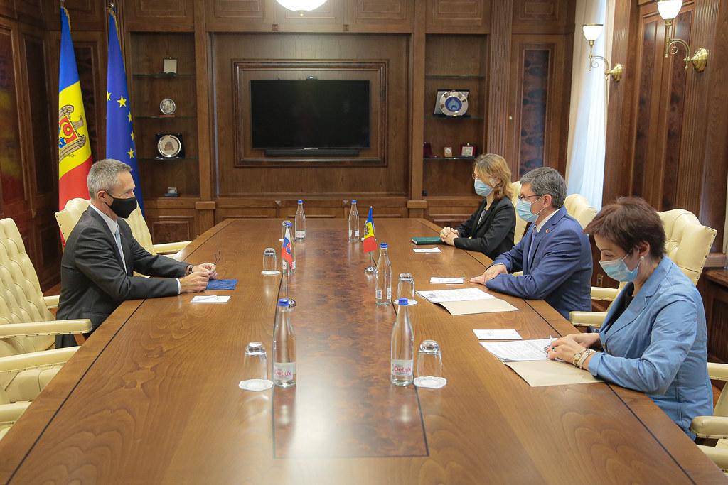 03.09.2021 Întrevederea Președintelui Parlamentului, Igor Grosu, cu Ambasadorul  Slovaciei la Chişinău, Dusan Dacho