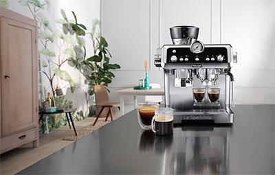 De'Longhi says that La Specialista Prestigio combines both the science of coffee making with a barista's craftsmanship.