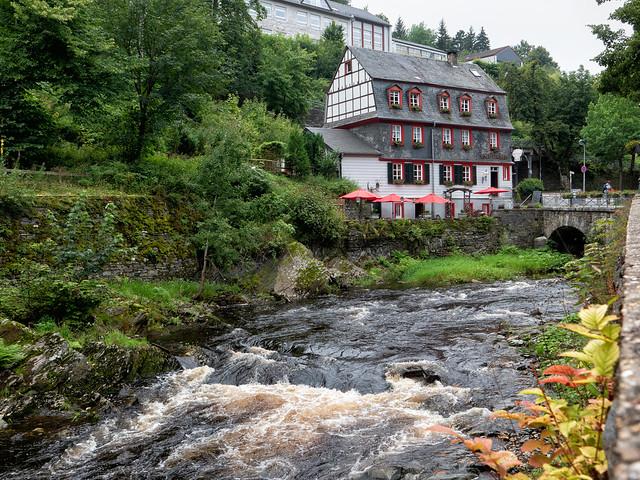 The Inn on the Rur / Das Gasthaus an der Rur