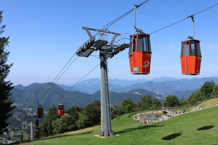 Neodpojitelná kabinka na Monte Poieto
