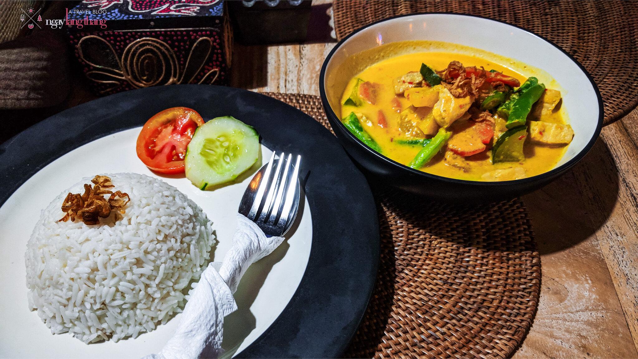 Cà ri gà truyền thống Bali