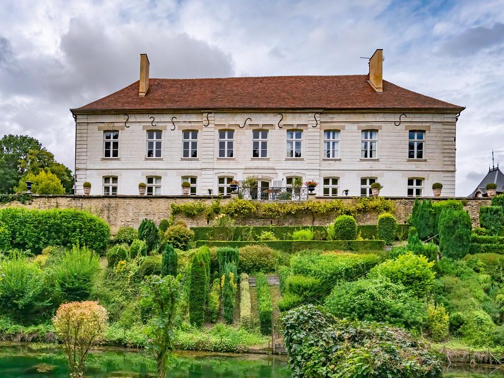 Fil ouvert #1 : Chateaux (en France et ailleurs!) - Page 5 51420737096_891f62153a_b