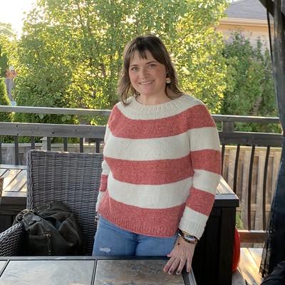 Diane looks fabulous in her Super Simple Summer Sweater by Joji Locatelli!