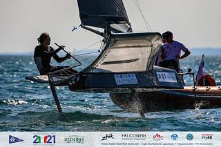 Fraglia Vela Malcesine_2021 Moth Worlds-4761_Martina Orsini