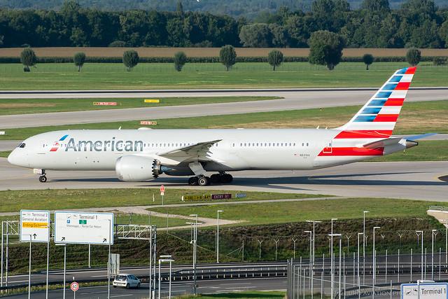 N831AA American - Boeing 787-9 Dreamlifter
