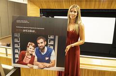 Beatriz Gamiz presenta la portada de la programación