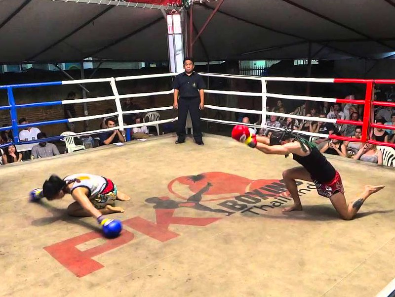 Loi Kroh Boxing Stadium (Chiang Mai, Thailand) – Brochures, Info & Travellers Reviews