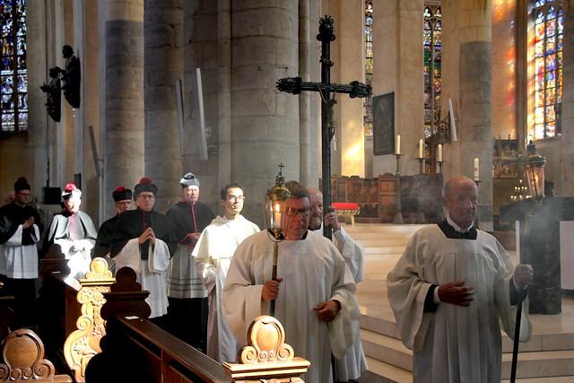 Feest kerkwijding kathedraal