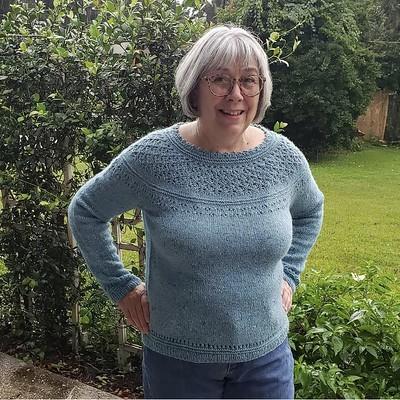 Patsy (@jaxonsgrammycakes) finished her test knit of #daintylionsweater by @ragingpurlwind using Rowan Felted Tweed.