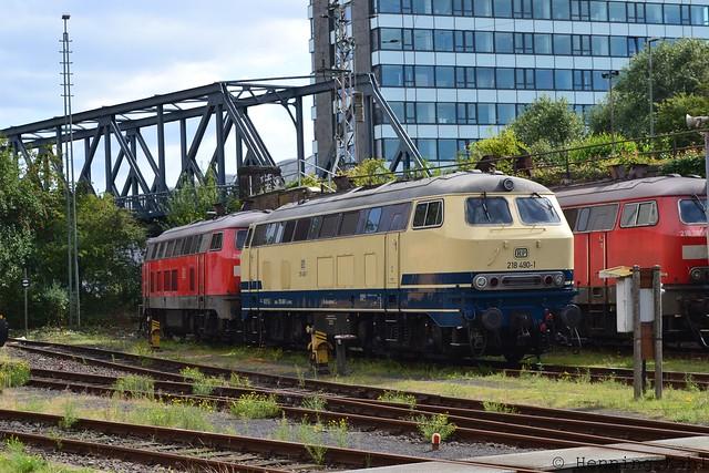 DBAG 218 463-8 und RP 218 490-1 im Bw. Hamburg Hbf