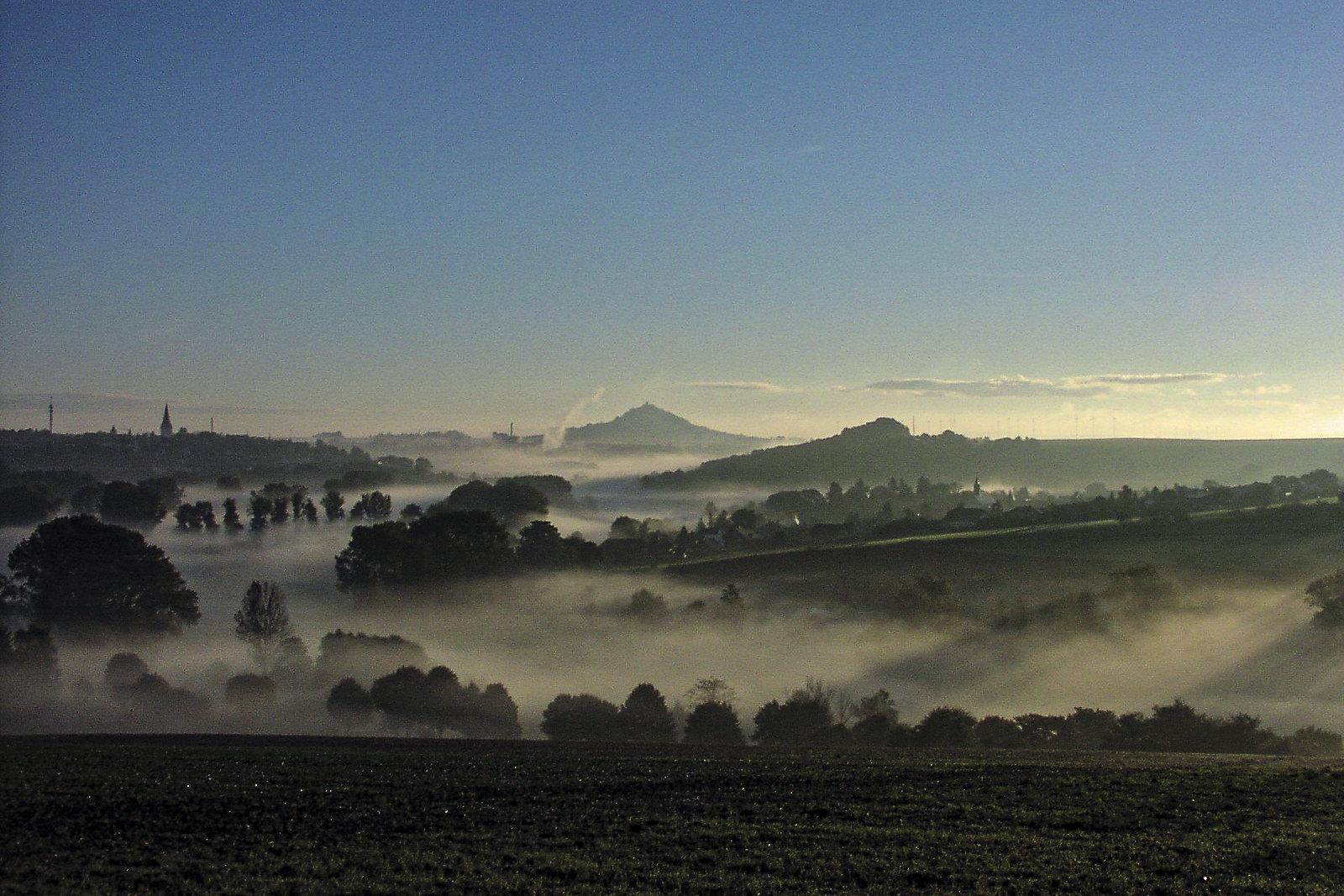 Blick vom Weldaer Berg auf den Desenberg