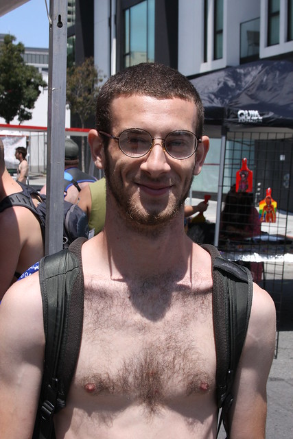 CUTE SMILING SHIRTLESS STUD ! photographed by ADDA DADA at DORE ALLEY FAIR 2021 ! (safe photo)