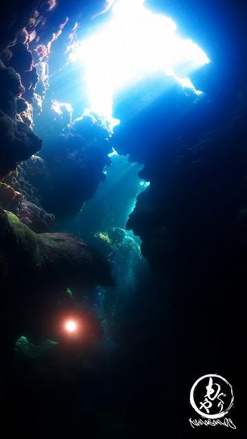 洞窟探検楽しいな♪