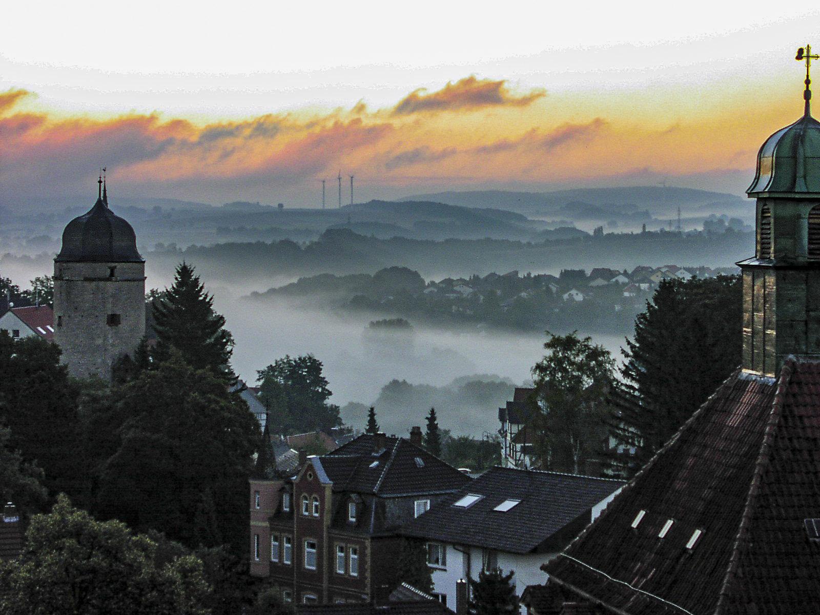 Warburg im Nebel