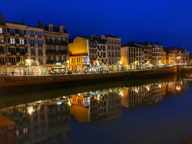 Reflet dans la Nive, Bayonne (64)