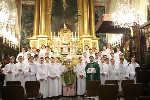 Błogosławieństwo ceremoniarzy parafialnych w katedrze na Wawelu 04.09.2021 r.