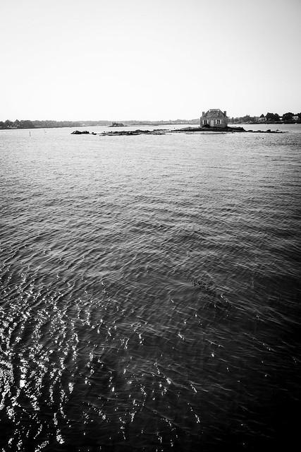 Une île...