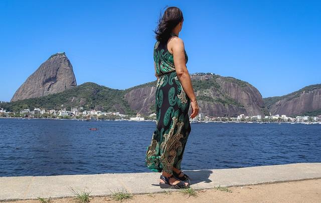 Minha mãe no Monumento Estácio de Sá - Aterro do Flamengo/RJ
