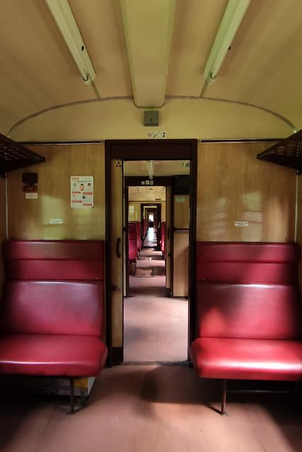 EN57-1383 interior (2)