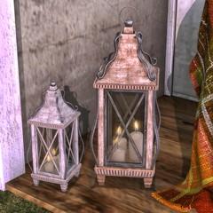 DD Oakley Wooden Lantern Set
