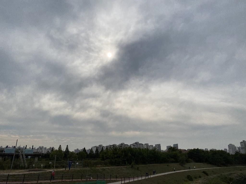 Incheon riding