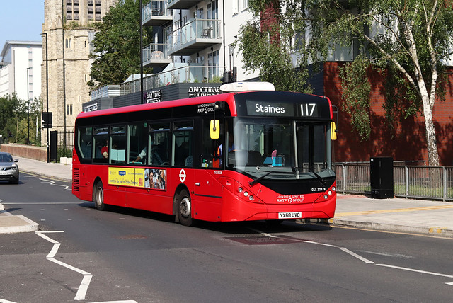 Route 117, London United, DLE30328, YX68UVO