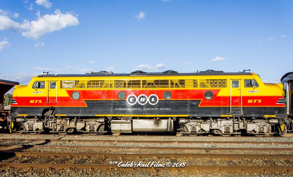 Victorian Broad Gauge Streamliner B75 Side On