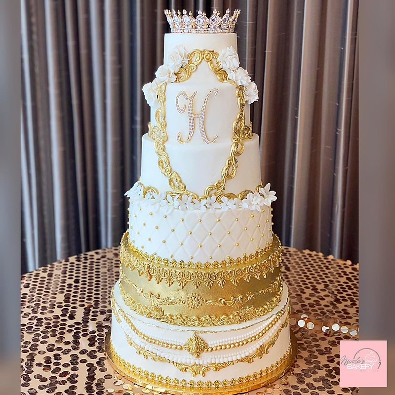 Cake by Nicole's Bakery Boutique