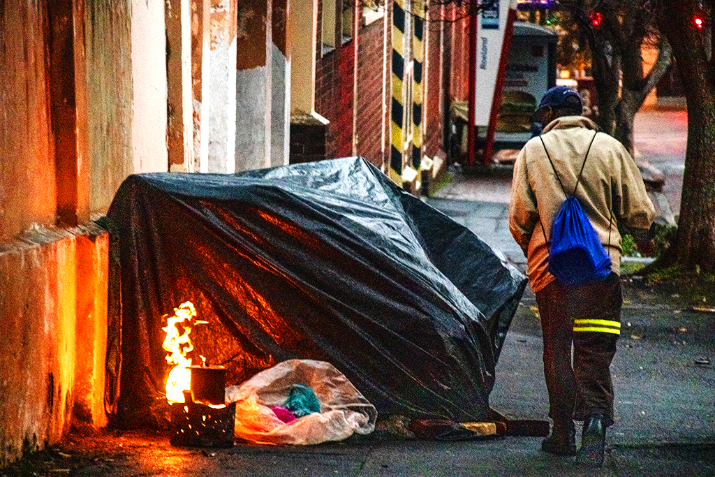 Homeless dwelling on Buitenkant on 9-5-21--Cape Town