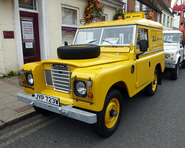 JYP 723W is a 1981 Land Rover Series III - Stony Stratford 29Aug21