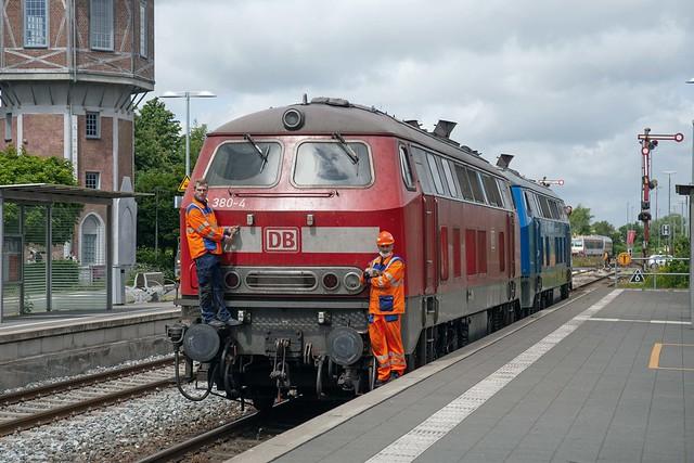 DB 218 380 + 218 055 Niebüll