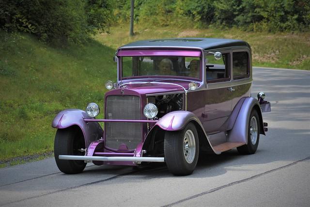 1928 Customize Two Door Nash Sedan @ Car Cruise - Kittanning, Pa