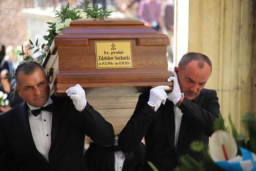 Uroczystości pogrzebowe śp. ks. prałata Zdzisława Sochackiego w katedrze na Wawelu - Nieszpory 0609.2021 r.