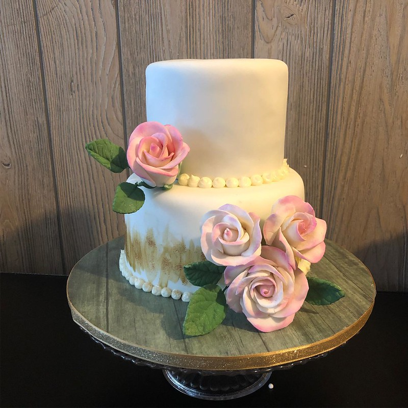 Cake by Strawn Cakes and Bakes